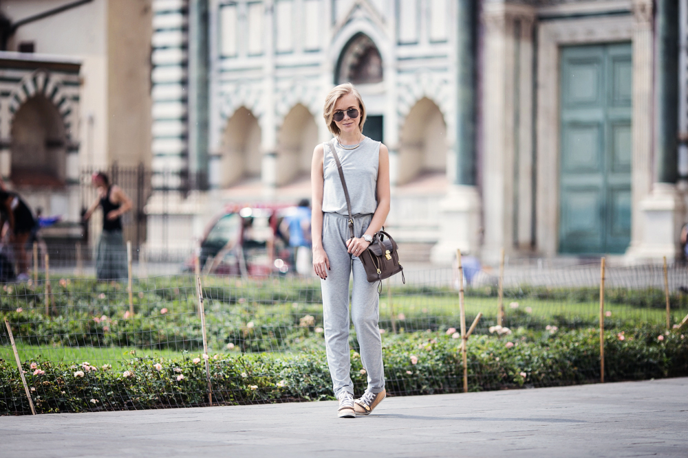darya kamalova from thecablook com wearing asos grey jumpsuit with high sneakers and phillip lim pashli mini bag in taupe for firenze4ever in florence with luisaviaroma-4 copy