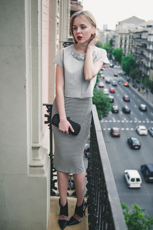 darya kamalova fashion blogger from thecablook in trip in Barcelona Spain with Pronovias wearing zara striped dress bottega veneta knot clutch for press dinner-0766