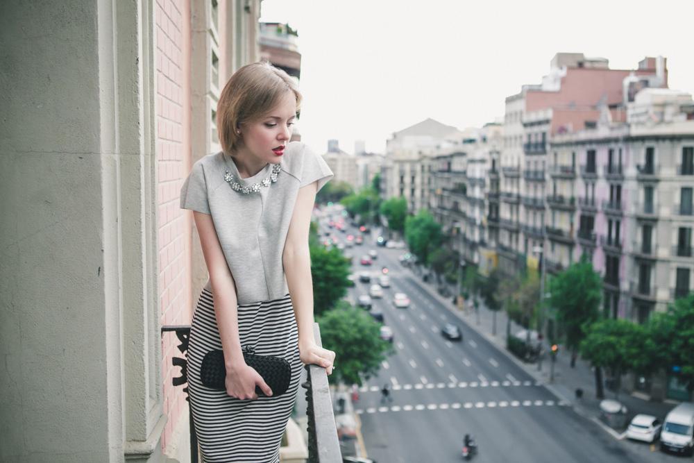 darya kamalova fashion blogger from thecablook in trip in Barcelona Spain with Pronovias wearing zara striped dress bottega veneta knot clutch for press dinner-0769