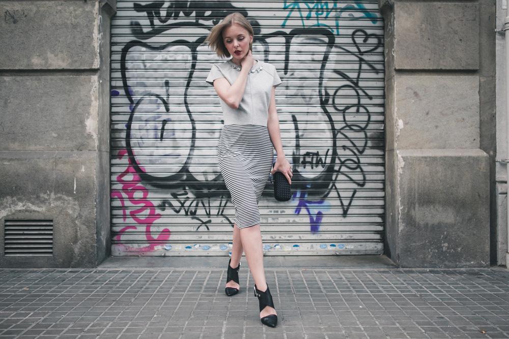 darya kamalova fashion blogger from thecablook in trip in Barcelona Spain with Pronovias wearing zara striped dress bottega veneta knot clutch for press dinner-0816