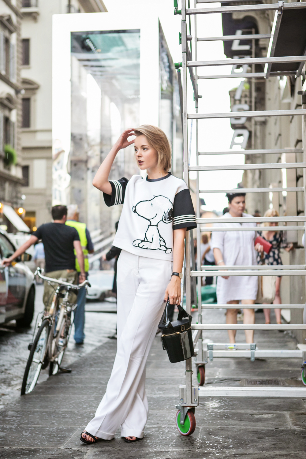 darya kamalova from thecablook in florence with luisaviaroma firenze4ever stylelab wearing fay total look snoopy-16