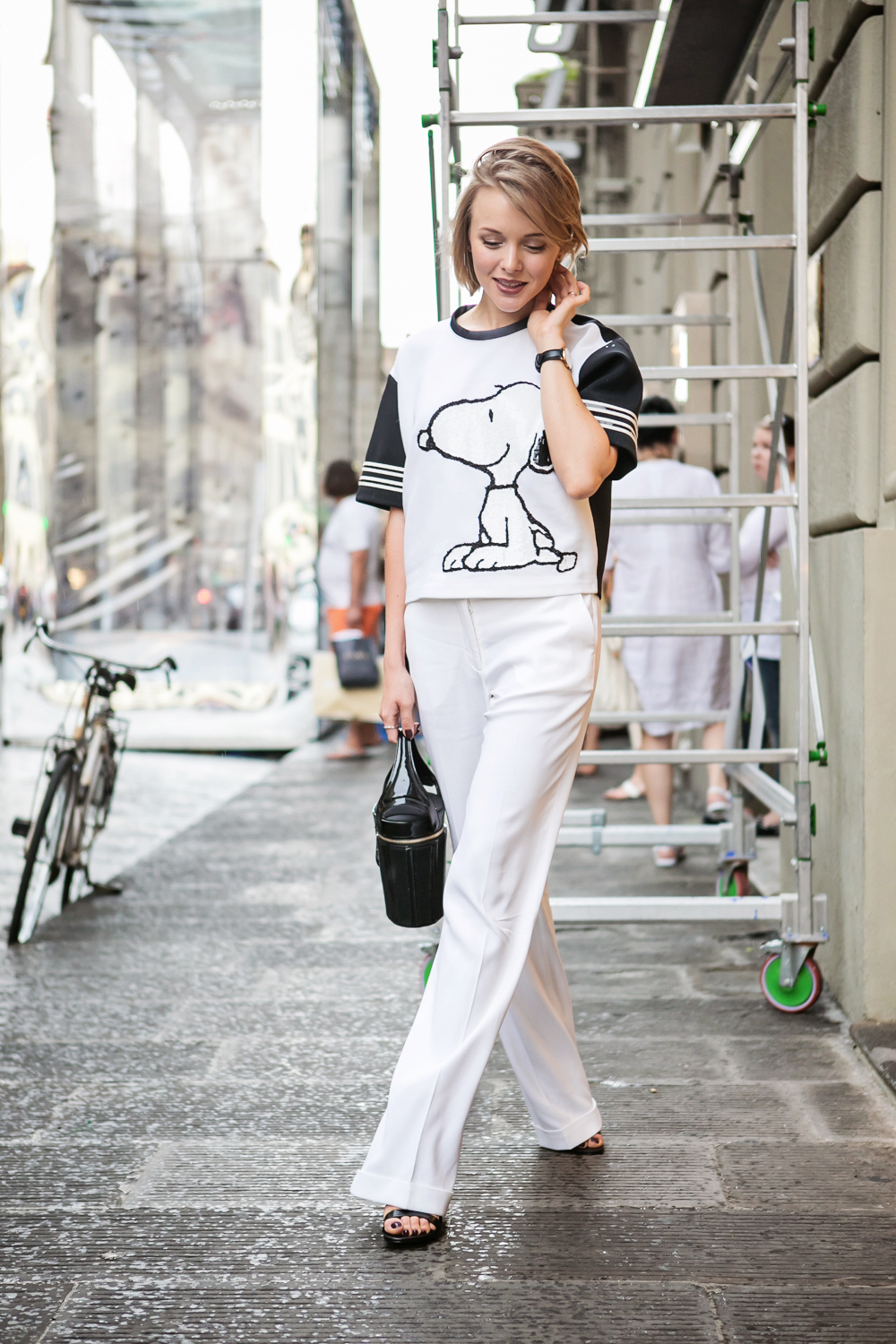 darya kamalova from thecablook in florence with luisaviaroma firenze4ever stylelab wearing fay total look snoopy-19