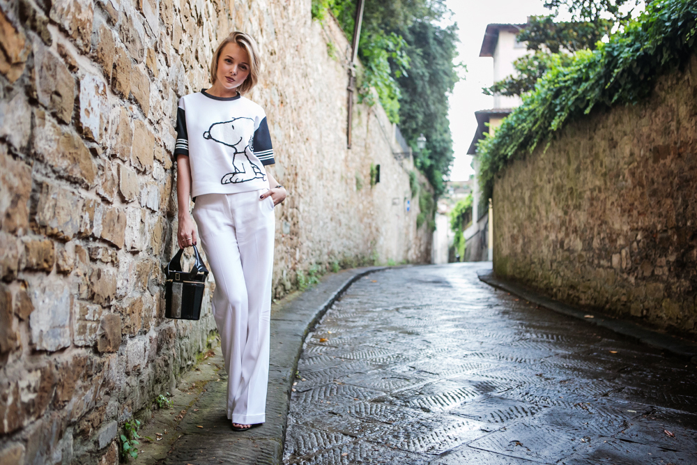 darya kamalova from thecablook in florence with luisaviaroma firenze4ever stylelab wearing fay total look snoopy-28