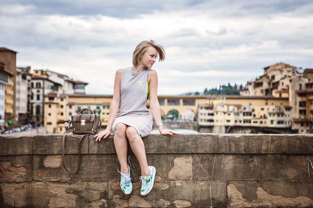darya kamalova thecablook russian italian fashion blogger makes a street style in florence firenze in sporty chic outfit asos dress lace neon bra phillip lim mini pashli taupe bag-21 copy