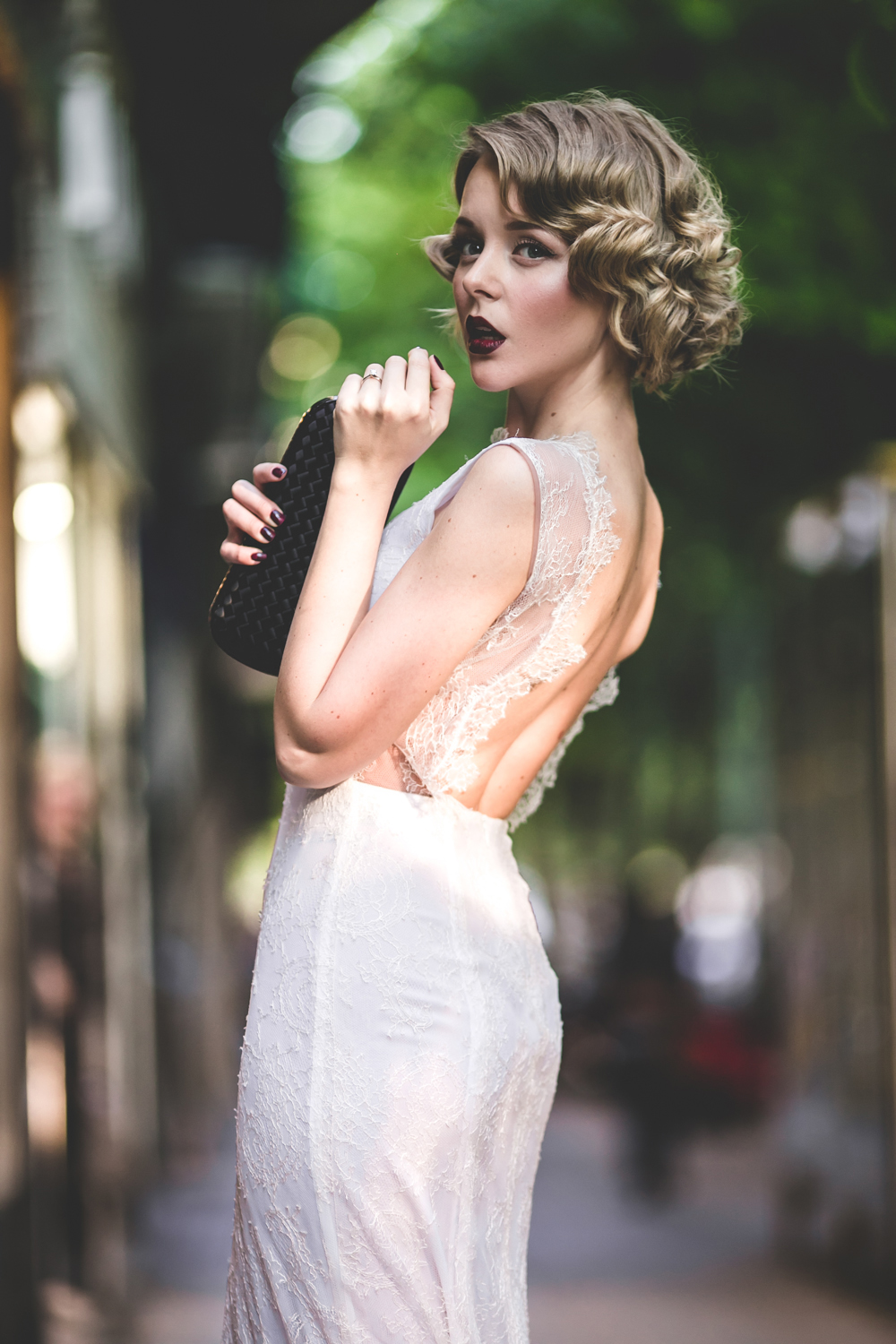 darya kamalova fashion blogger from thecablook in trip in Barcelona Spain with Pronovias 2015 wedding dresses collection catwalk wearing uel camilo white gown bottega veneta knot clutch and black lips-1804