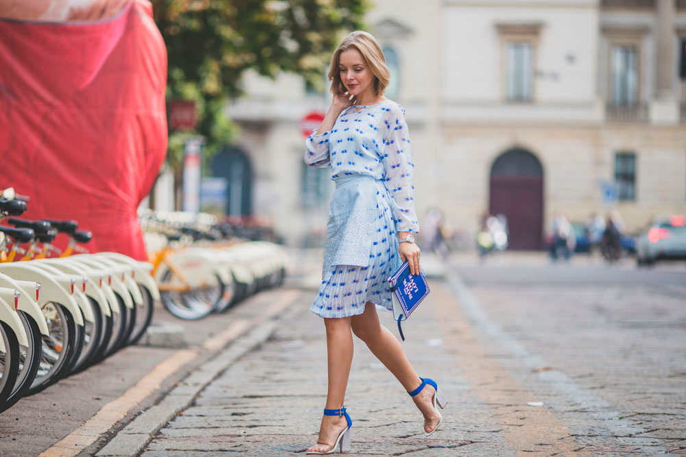 darya-kamalova-fashion-lifestyle-blogger-from-thecablook-com-on-milan-fashion-week-ss15-mfw-wears-frankie-morello-total-outfit--6004