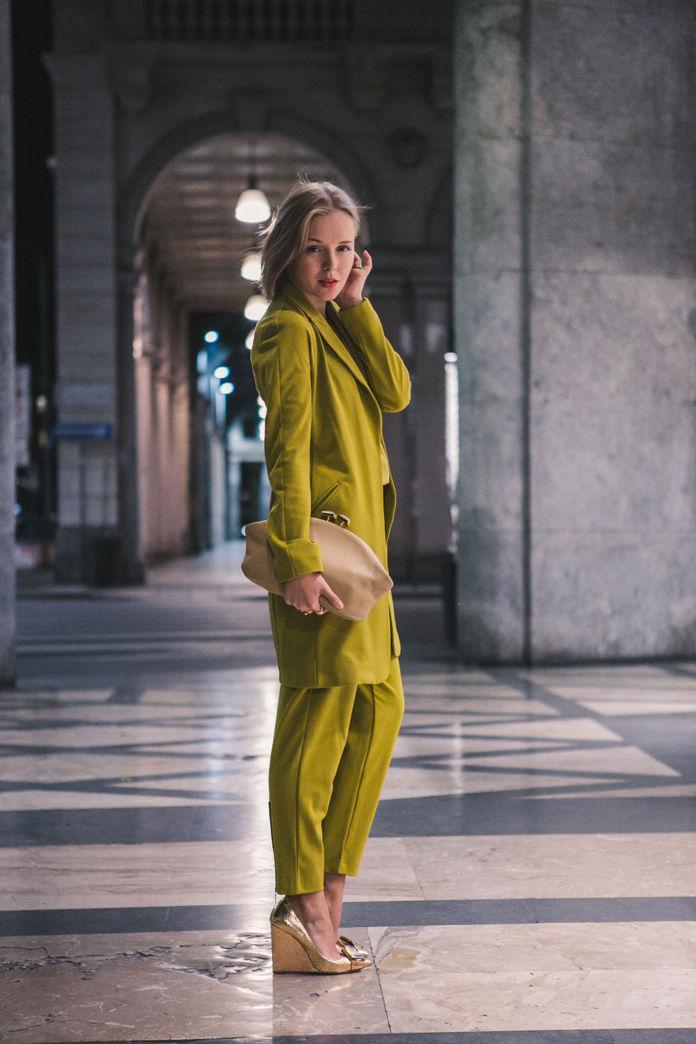 darya-kamalova-fashion-lifestyle-blogger-from-thecablook-on-san-pietro-all-orto-opening-party-in-milan-wears-asos-suit-marni-clutch-burberry-prosum-wedges-6907