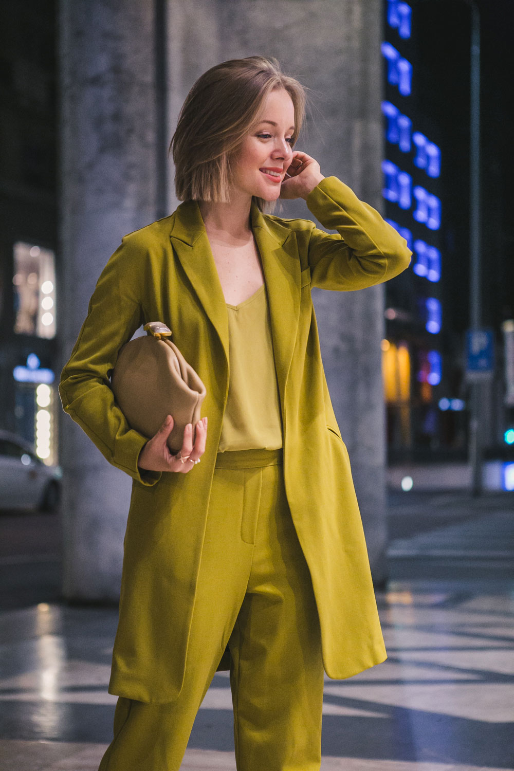 darya-kamalova-fashion-lifestyle-blogger-from-thecablook-on-san-pietro-all-orto-opening-party-in-milan-wears-asos-suit-marni-clutch-burberry-prosum-wedges-6974