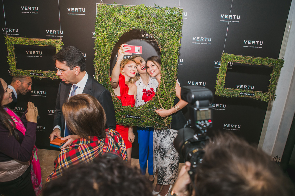 darya kamalova fashion lifestyle blogger thecablook com on veru asterlife aster event in milan italy wearing rafinad suit gucci heels celine classic box bag-8436