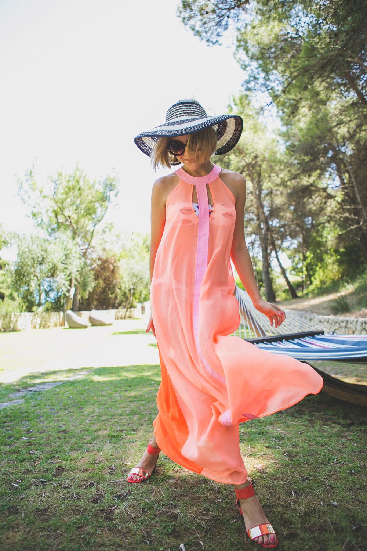 darya-kamalova-thecablook-fashion-lifestyle-blogger-from-thecablook-com-in-puglia-gargano-baia-dei-faraglioni-allegro-italia-2344