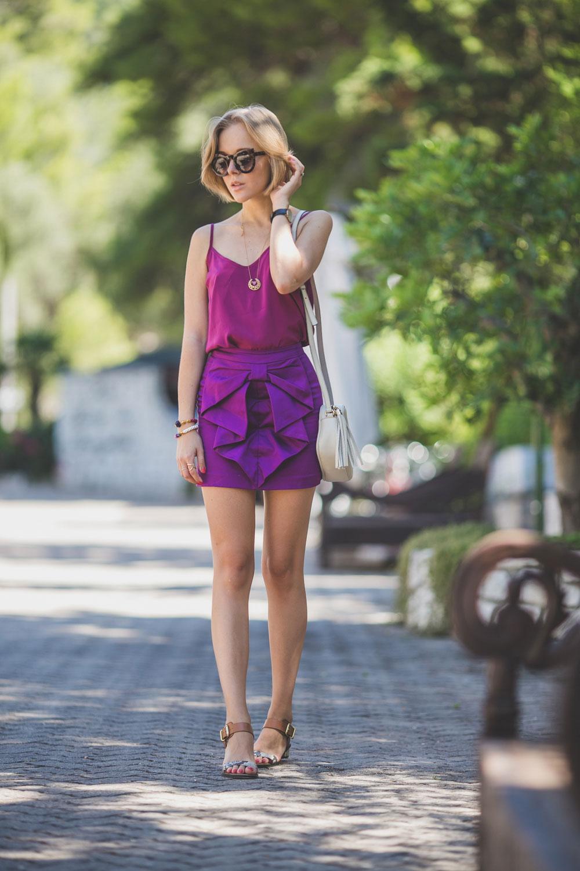 darya-kamalova-thecablook-fashion-lifestyle-blogger-from-thecablook-com-in-puglia-gargano-baia-dei-faraglioni-allegro-italia-in-sam-edelman-sandals-with-gucci-soho-disco-bag-asos-cami-top-2093