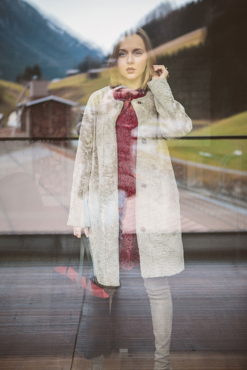 darya-kamalova-thecablook-fashion-lifestyle-blogger-from-thecablook-com-wearing-theoutnet-iris-ink-wine-lace-dress-with-coat-and-bag-and-stuart-weitzman-over-knee-boots-in-austria-zhero-hotel-kappl-president-suite-8480