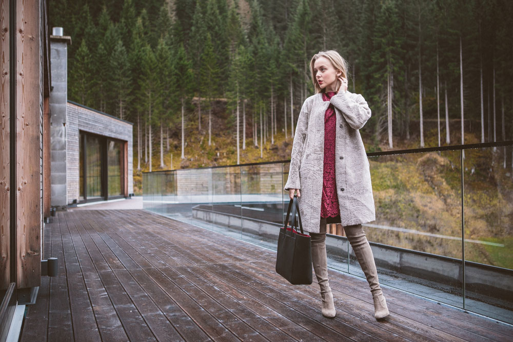 darya-kamalova-thecablook-fashion-lifestyle-blogger-from-thecablook-com-wearing-theoutnet-iris-ink-wine-lace-dress-with-coat-and-bag-and-stuart-weitzman-over-knee-boots-in-austria-zhero-hotel-kappl-president-suite-8545