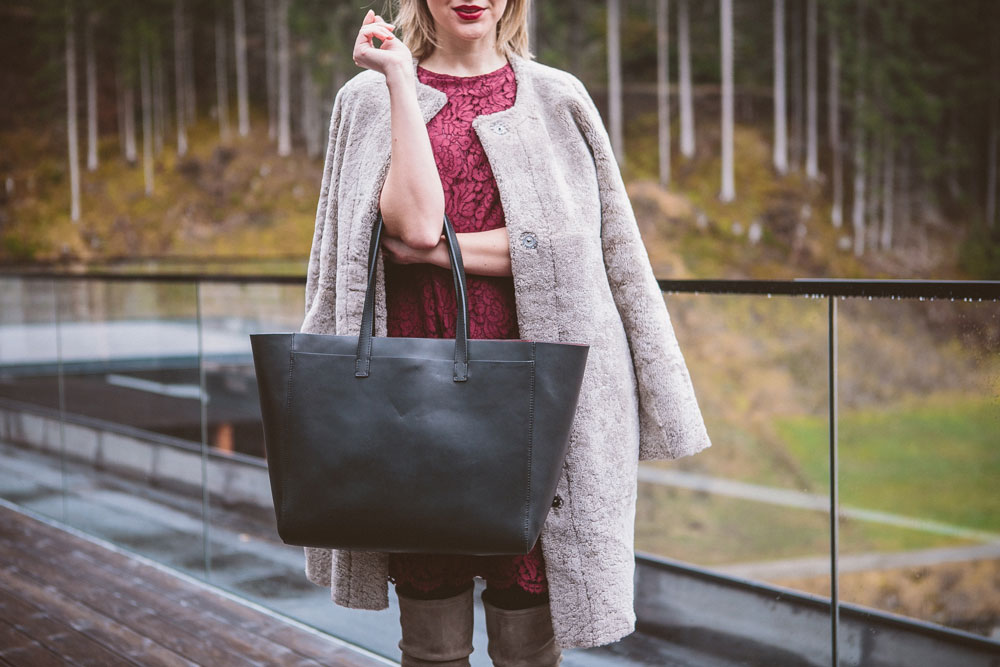 darya-kamalova-thecablook-fashion-lifestyle-blogger-from-thecablook-com-wearing-theoutnet-iris-ink-wine-lace-dress-with-coat-and-bag-and-stuart-weitzman-over-knee-boots-in-austria-zhero-hotel-kappl-president-suite-8620