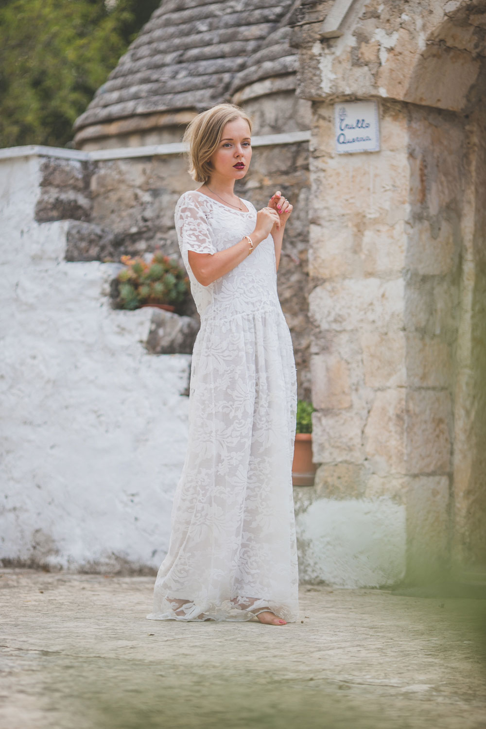 darya-kamalova-thecablook-fashion-lifestyle-blogger-from-thecablook-com-in-agri-trulli-in-puglia-south-italy-wearing-gat-rimon-white-maxi-lace-dress-3960