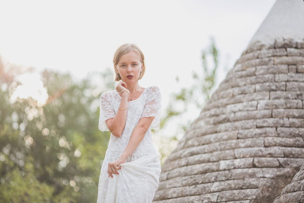 darya-kamalova-thecablook-fashion-lifestyle-blogger-from-thecablook-com-in-agri-trulli-in-puglia-south-italy-wearing-gat-rimon-white-maxi-lace-dress-4021