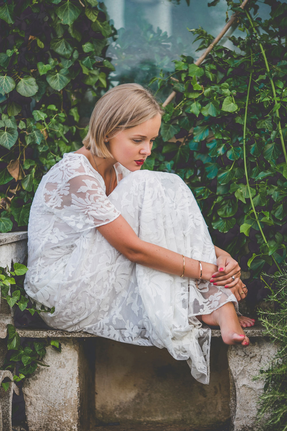 darya-kamalova-thecablook-fashion-lifestyle-blogger-from-thecablook-com-in-agri-trulli-in-puglia-south-italy-wearing-gat-rimon-white-maxi-lace-dress-4128