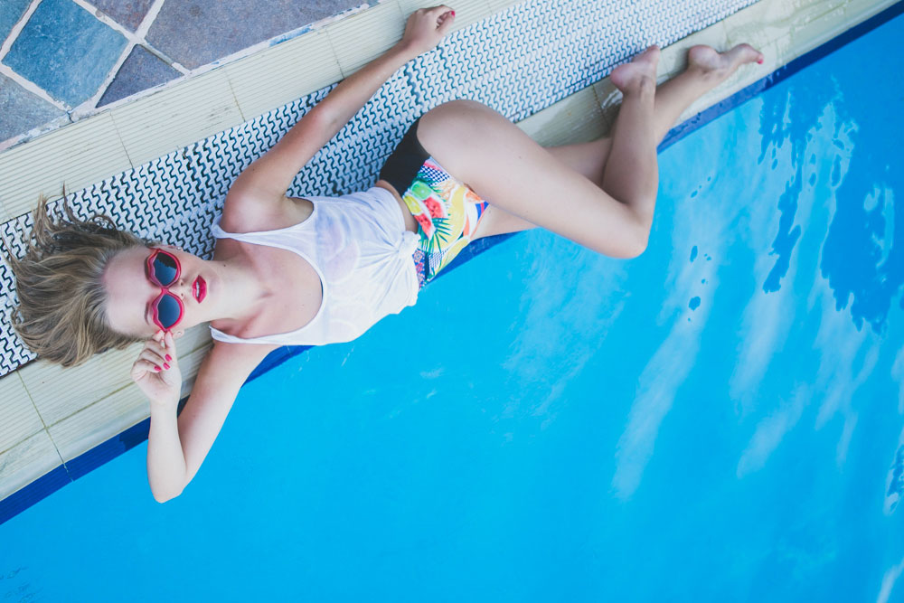 darya-kamalova-thecablook-fashion-lifestyle-blogger-from-thecablook-com-in-baia-dei-faraglioni-in-puglia-south-italy-wearing-river-island-watermelon-swimming-suit-and-lisp-sunglasses-3643