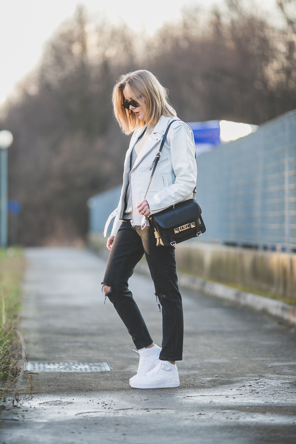 darya kamalova thecablook fashion lifestyle russian italian blogger wears asos total look with nike white air force and proenza schouler ps11 black bag-9685