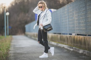 darya kamalova thecablook fashion lifestyle russian italian blogger wears asos total look with nike white air force and proenza schouler ps11 black bag-9728