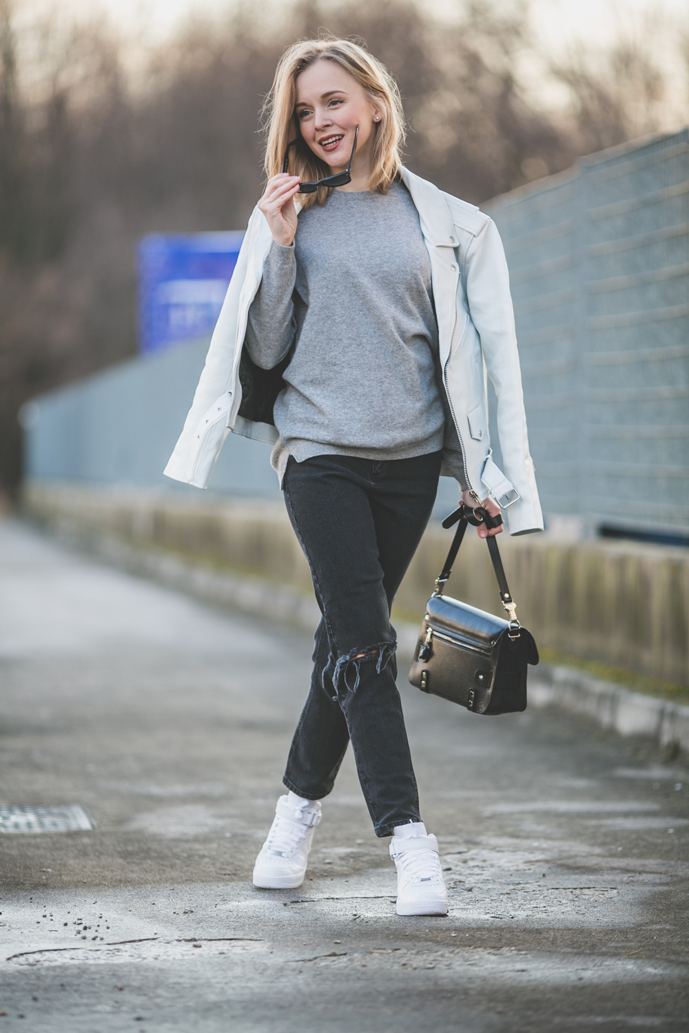 darya kamalova thecablook fashion lifestyle russian italian blogger wears asos total look with nike white air force and proenza schouler ps11 black bag-9815