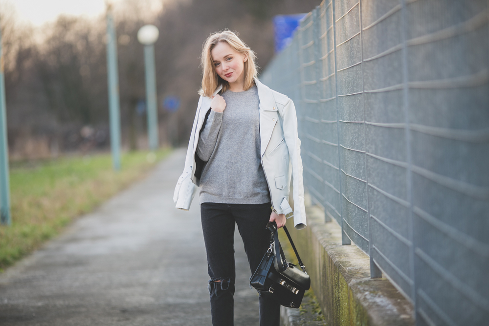 darya kamalova thecablook fashion lifestyle russian italian blogger wears asos total look with nike white air force and proenza schouler ps11 black bag-9850