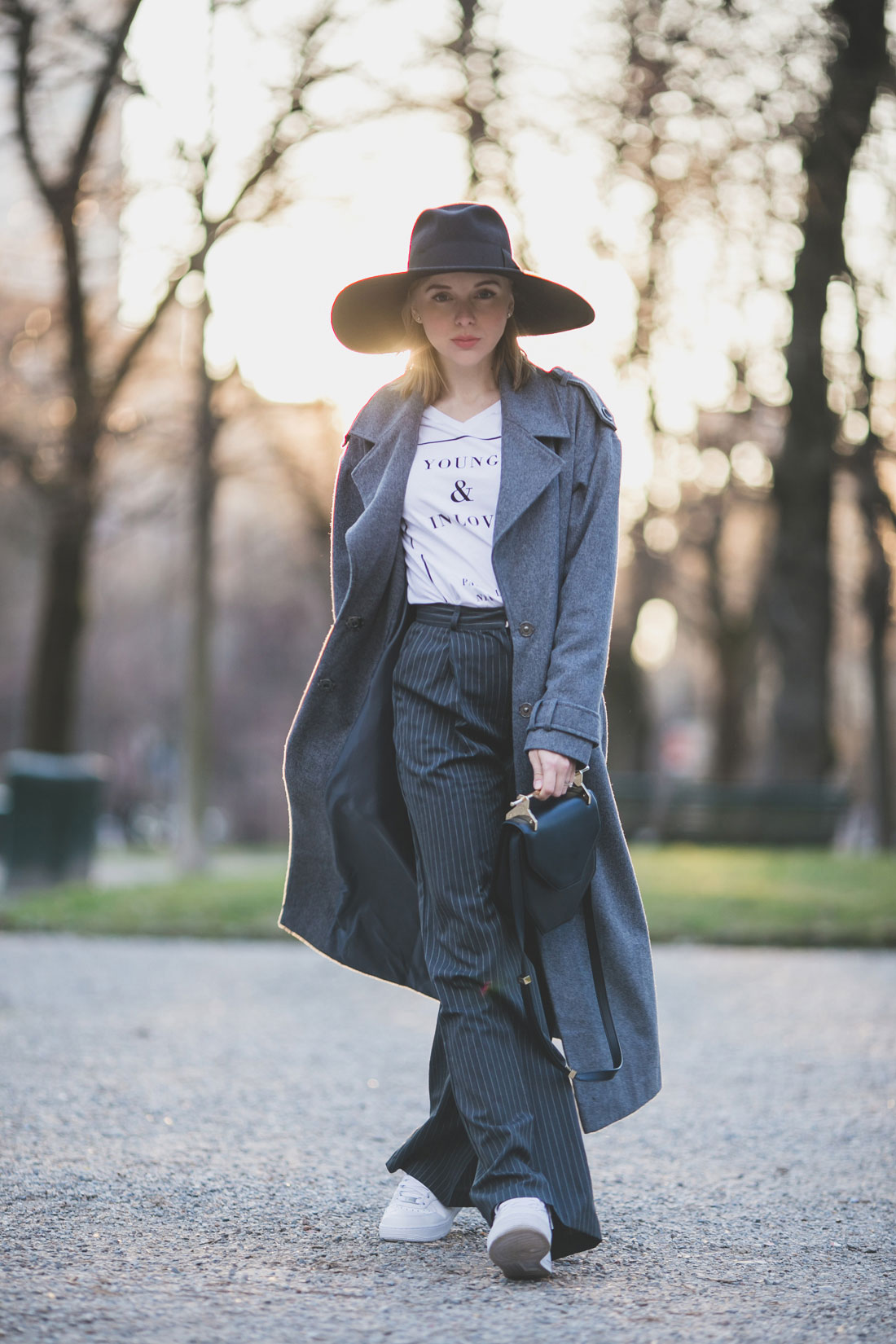 darya-kamalova-thecablook-fashion-lifestyle-russian-italian-blogger-wears-asos-total-look-grey-long-coat-with-nike-white-air-force-and-m2malletier-black-bag-on-mfw-milan-fashion-week-2015-1292