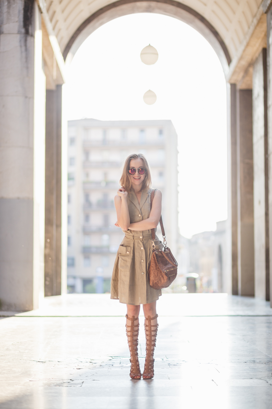 darya kamalova thecablook fashion lifestyle russian italian blogger wears stefanel dress schutz gladiators and giverchy pandora bag-1