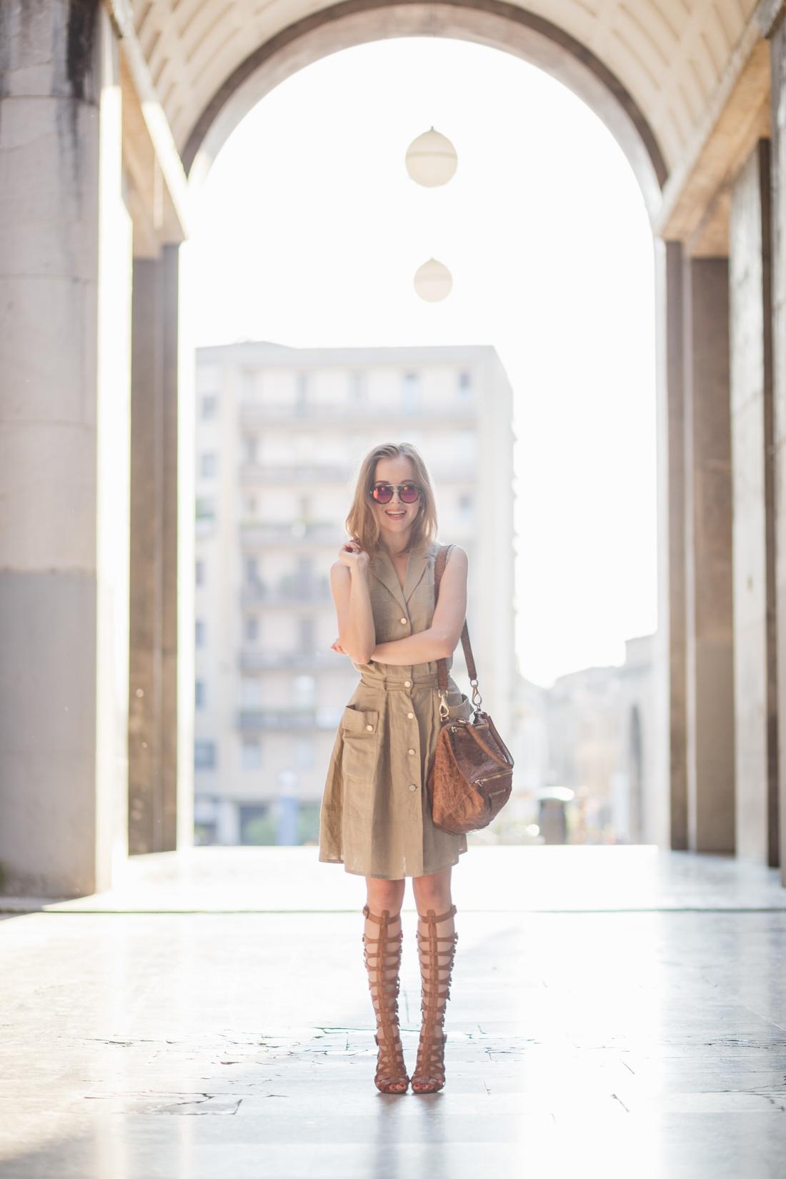 darya kamalova thecablook fashion lifestyle russian italian blogger wears stefanel dress schutz gladiators and giverchy pandora bag-1