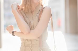 darya kamalova thecablook fashion lifestyle russian italian blogger wears stefanel dress schutz gladiators and giverchy pandora bag-11