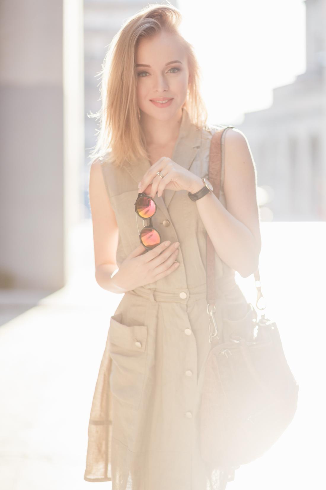 darya kamalova thecablook fashion lifestyle russian italian blogger wears stefanel dress schutz gladiators and giverchy pandora bag-13